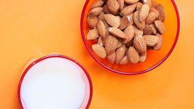 польза миндального молока, вред, состав, можно ли детям и младенцам, для женщин, для мужчин. рецепт приготовления миндального молока с замачиванием и без замачивания, использование миндального молока для кожи и волос